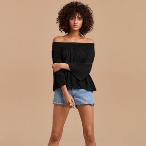 ARITZIA / TALULA / MARCILLY SHOULDER TOP
